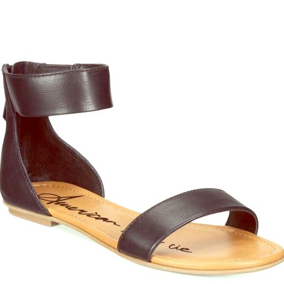 """91dd5a6bb607 """"Akeley"""" Black Leather Sandals. NWT. American Rag"""